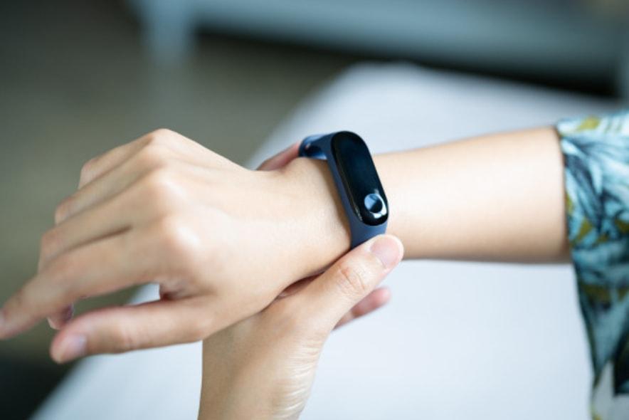 smart watch, sat-narukvica na ruci